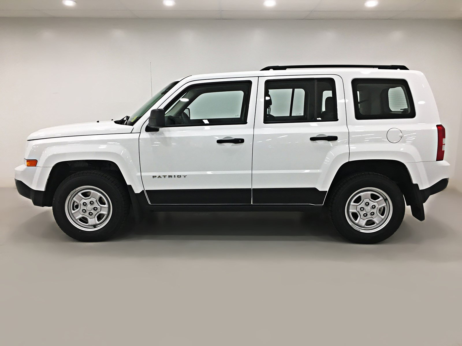 used 2017 jeep patriot sport 4x4 sport utility near moose jaw pp1481. Black Bedroom Furniture Sets. Home Design Ideas