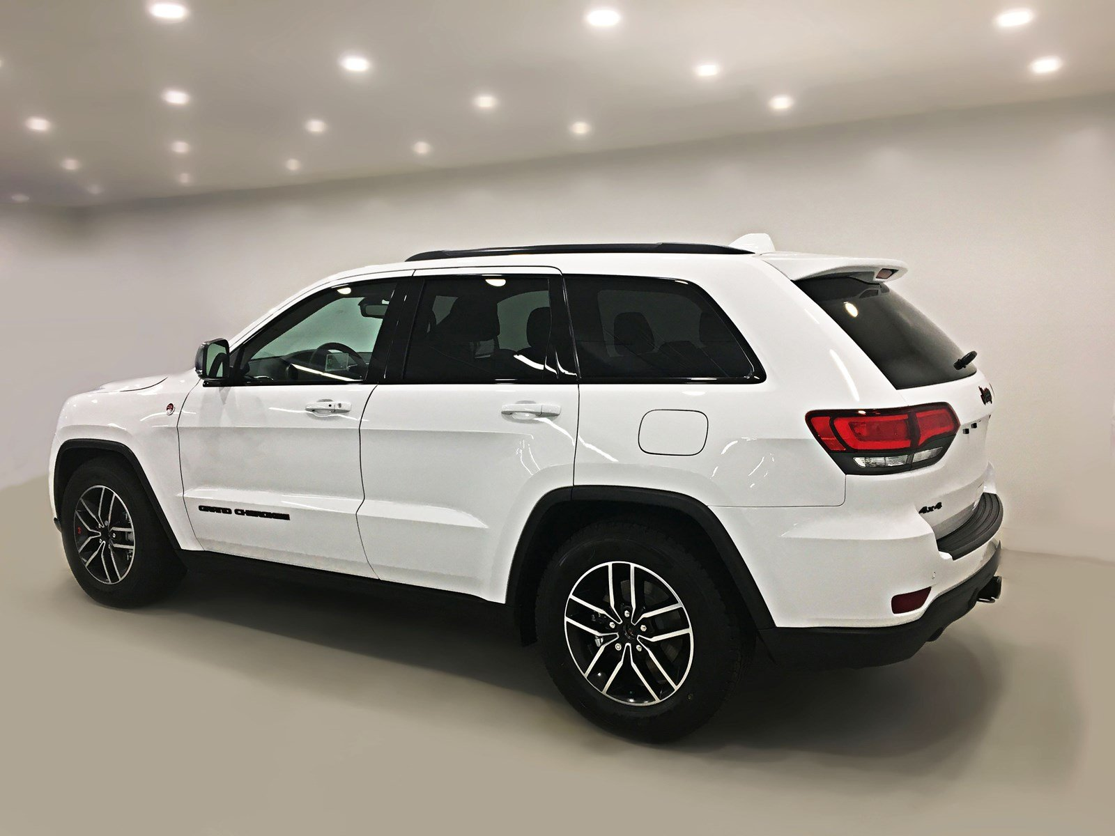 New 2018 Jeep Grand Cherokee Trailhawk V6 Sunroof Navigation Speed Metor