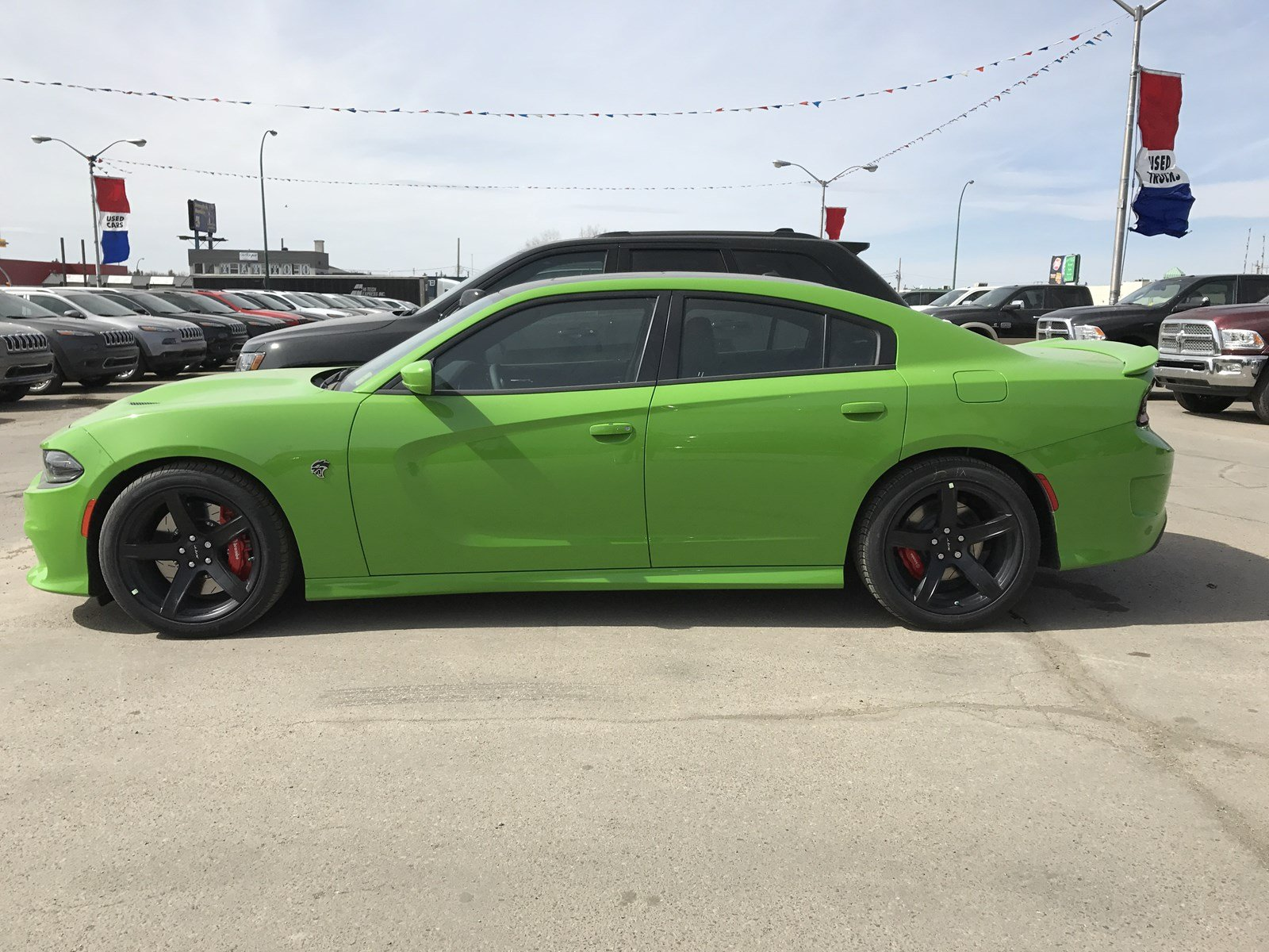 new 2017 dodge charger srt hellcat 6 2l sunroof navigation 4dr car near moose jaw 17ch10. Black Bedroom Furniture Sets. Home Design Ideas